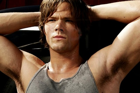 http://malecelebblogs.com/wp-content/uploads/2009/10/Jared_Padalecki_armpits_01.jpg