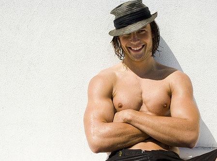 Taylor_Kitsch_shirtless_6