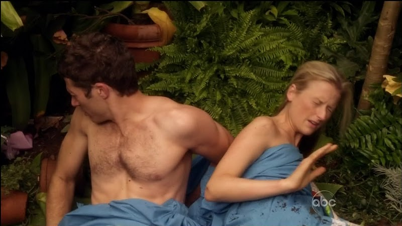 Zach_Gilford_shirtless_06
