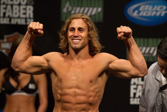 Urijah_Faber_shirtless_01