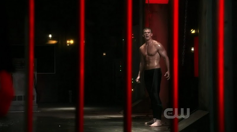 Alan_Ritchson_shirtless_13