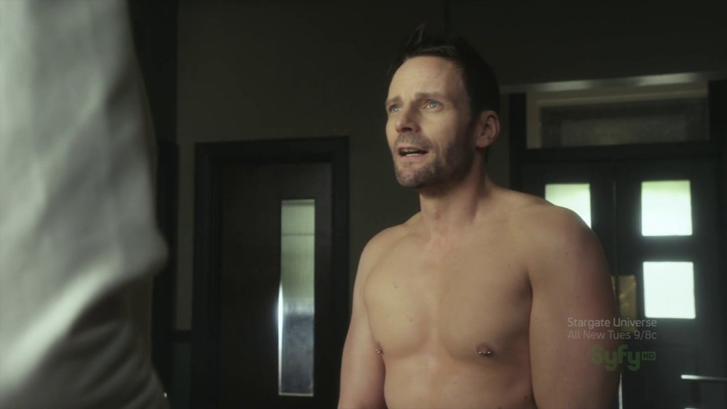 Ryan_Robbins_shirtless_02