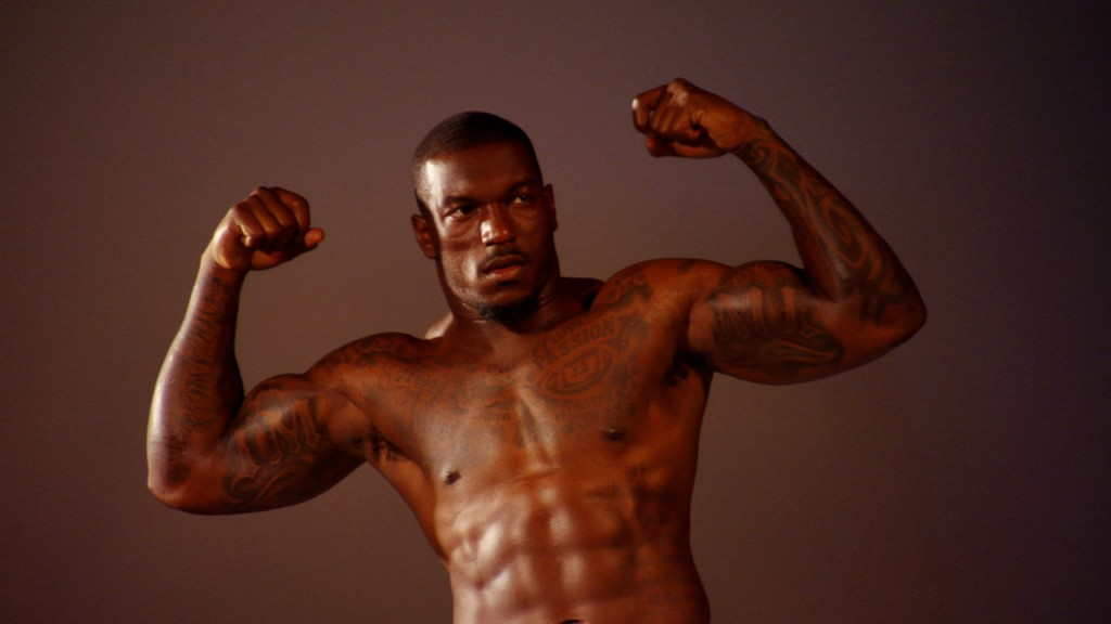 Patrick_Willis_shirtless_01