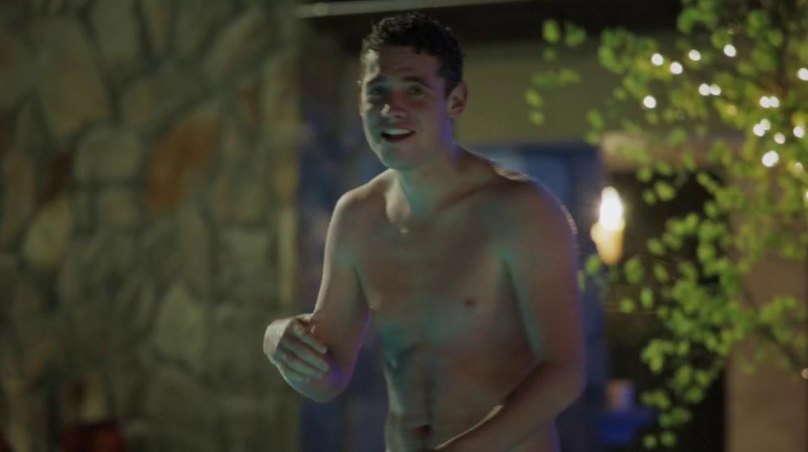 Craig_Bierko_shirtless_01